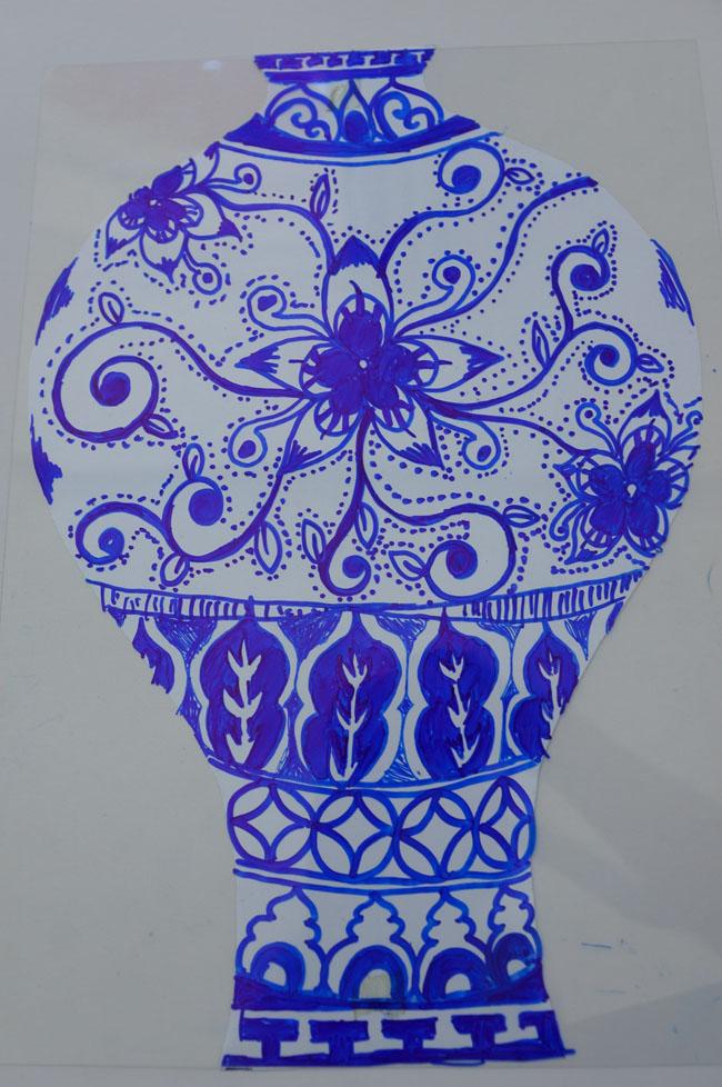 青花瓶剪纸步骤